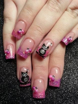 Рисунки совы на ногтях, розовый френч с блестками и совами
