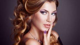 Вечерний макияж под черное платье, нежный макияж на выпускной в сиреневых тонах