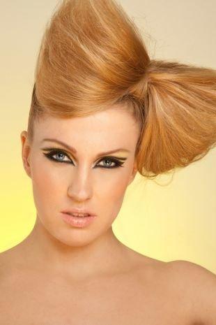 Объемные прически на длинные волосы, прическа высокий бант из волос на макушке