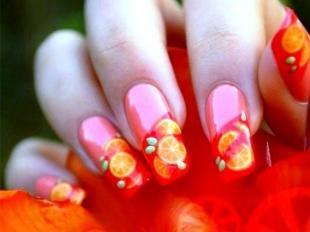 Коралловые ногти с рисунком, цитрусовый маникюр на нарощенных ногтях