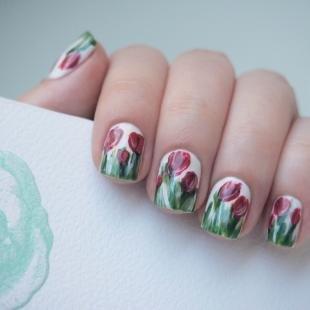 Маникюр на 9 мая, дизайн ногтей с тюльпанами