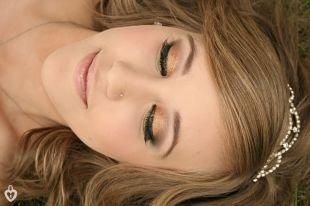 Свадебный макияж для серо-зеленых глаз, макияж на выпускной с бронзовыми тенями