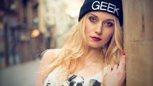 Макияж для блондинок с голубыми глазами, стильный молодежный макияж