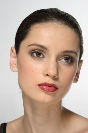 Быстрый макияж, дневной макияж для брюнеток