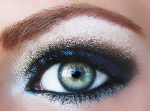 Макияж для рыжих, макияж для серых глаз с мерцающими тенями