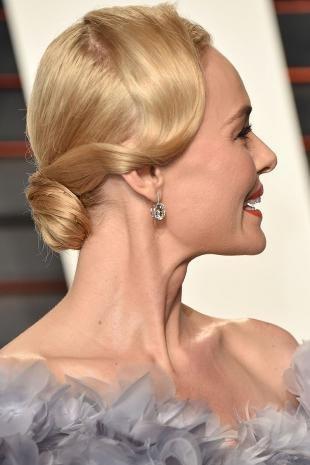 Стрижки и прически на средние волосы, вечерняя прическа в стиле гетсби