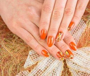 Коралловые ногти с рисунком, осенний маникюр с бабочками
