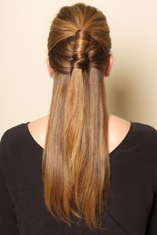 """Медово карамельный цвет волос на длинные волосы, необычный вариант прически """"мальвинка"""""""