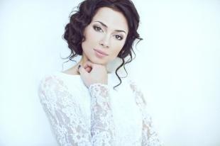 Свадебный макияж для голубых глаз и темных волос, нежный макияж для невесты