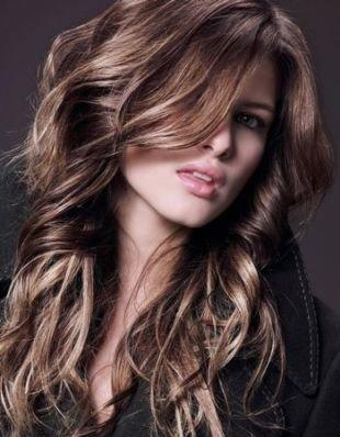 Пепельно каштановый цвет волос, мелирование на темные волосы белыми прядями