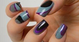 Абстрактные рисунки на ногтях, серо-черный водный маникюр