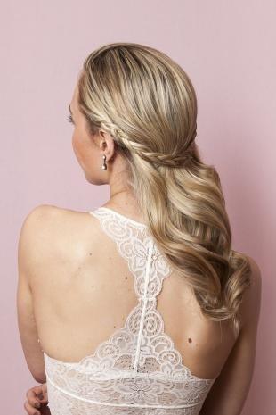 Свадебные прически с косой на длинные волосы, праздничная прическа на скорую руку