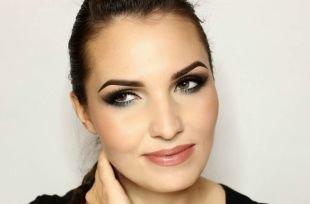 """Арабский макияж для карих глаз, макияж для нависшего века в стиле """"smoky eyes"""""""
