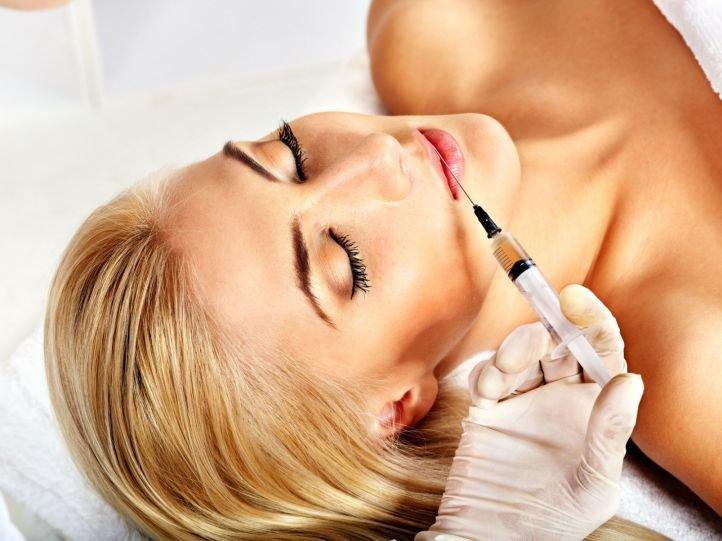 Процедура увеличения губ гиалуроновой кислотой