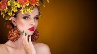Макияж с красной помадой, осенний вариант макияжа для серых глаз