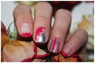 Красный френч, красивый дизайн ногтей с помощью трафаретов