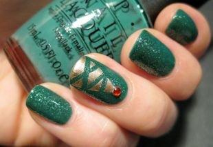 Новогодние рисунки на ногтях, зеленый маникюр с елочкой