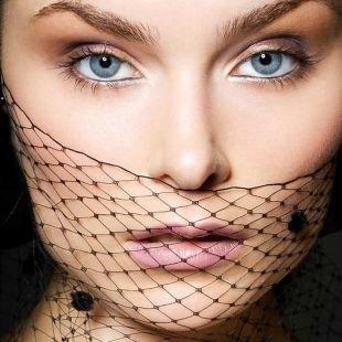 Макияж для шатенок с голубыми глазами, неяркий макияж на последний звонок для сероглазых девушек