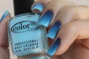 Синий маникюр, сине-голубой градиентный маникюр