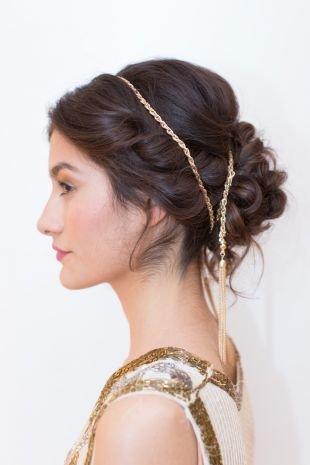Прически с ободком на резинке, греческая прическа с цепочкой для средних и длинных волос