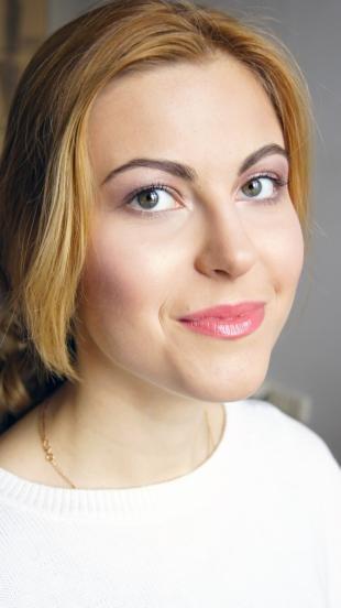 Макияж на выпускной для серых глаз, нежный макияж для светлых глаз