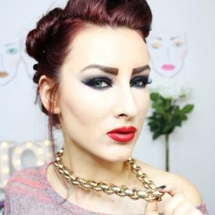 Макияж для красных волос, обольстительный вечерний макияж