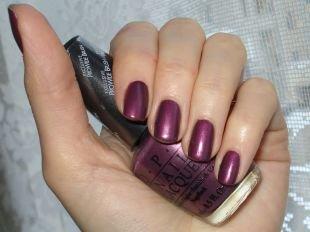 Лёгкий маникюр на коротких ногтях, темно-сиреневый маникюр на коротких ногтях