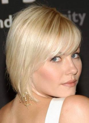 Холодно бежевый цвет волос, модная короткая стрижка для светлых волос