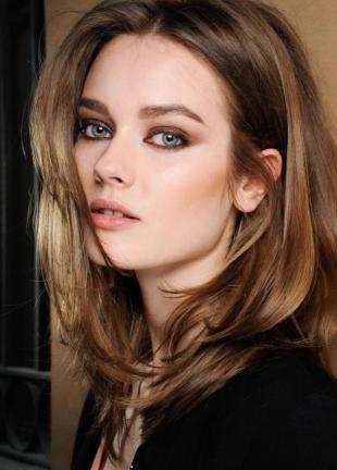 Цвет волос светлый шатен на средние волосы, каскадная стрижка для густых волос
