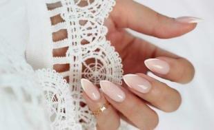 Красивые ногти френч с рисунком, нежный свадебный френч