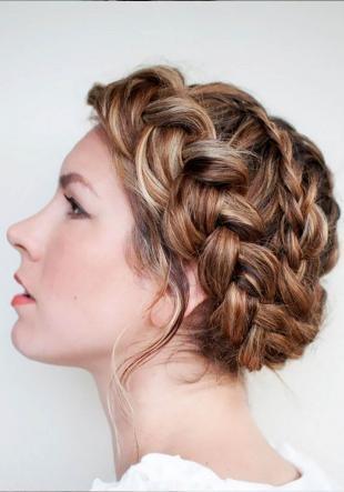 Цвет волос капучино на длинные волосы, сложная свадебная прическа с косами