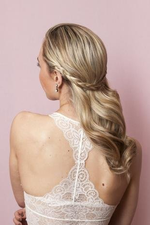 Свадебные прически распущенные волосы на длинные волосы, праздничная прическа на скорую руку