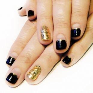 Двухцветный маникюр, маникюр на коротких ногтях - квадратная форма ногтей